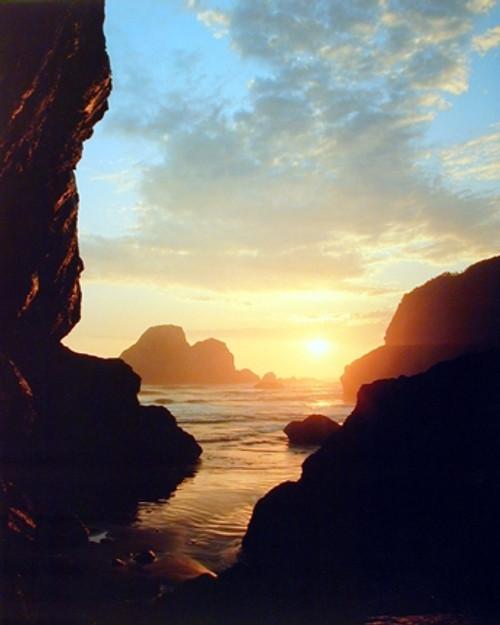 Ocean Sunset & Rocks Scenery Nature Wall Decor Art Print Poster (16x20)