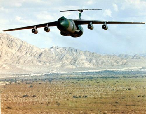 Military Aircraft Lockheed C-141 Starlifter Cargo Airplane Aviation Wall Decor Art Print Poster (16x20)