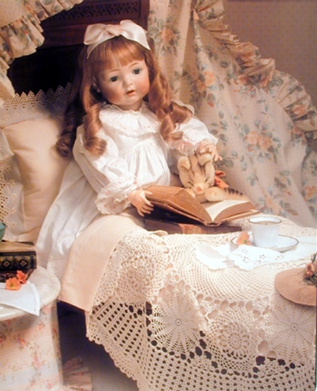 Baby Doll Reading Bedroom Decor for KidsŸ?? Art Print Poster (16x20)