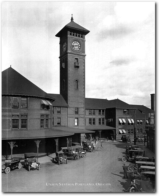 Vintage Ford Model T Car Union Station Portland, Oregon Wall Decor Art Print Poster (16x20)