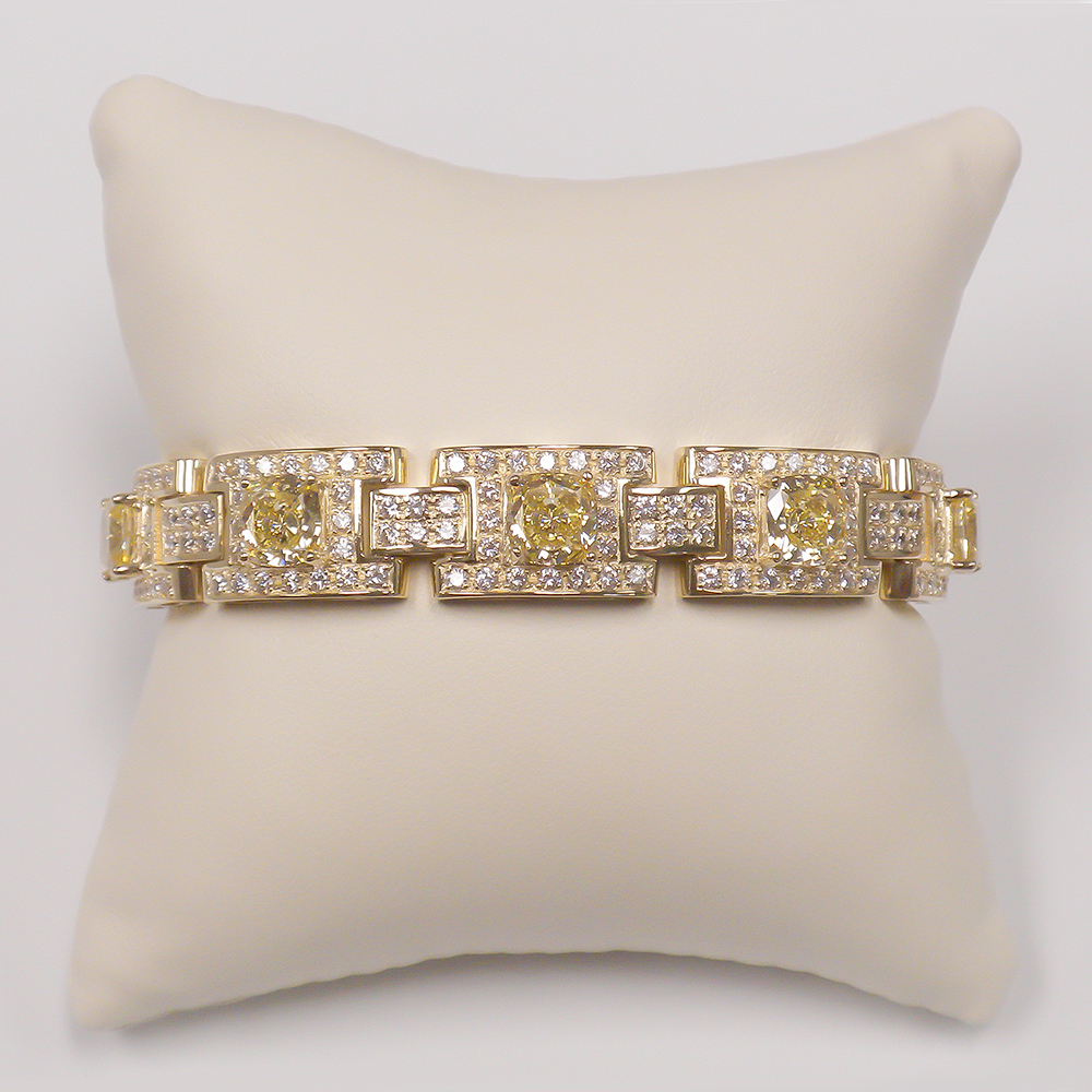 Melbourne Cushion with Rounds CZ Linked Bracelet