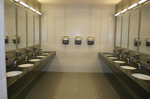 Saniflow MEDIFLOW hand dryers installed in the Czech Republic