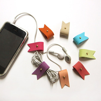 Humming Roll-up (Earphone-winder)