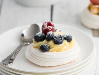 Meringue Pavlova Nests For Catering Desserts