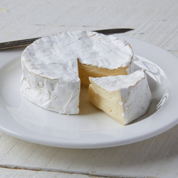 Prestige Camembert sliced view