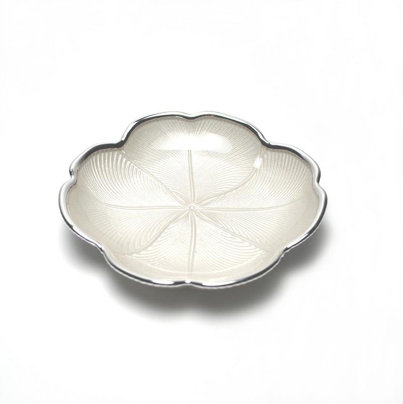 Quadrifoglio Plate Pearl White