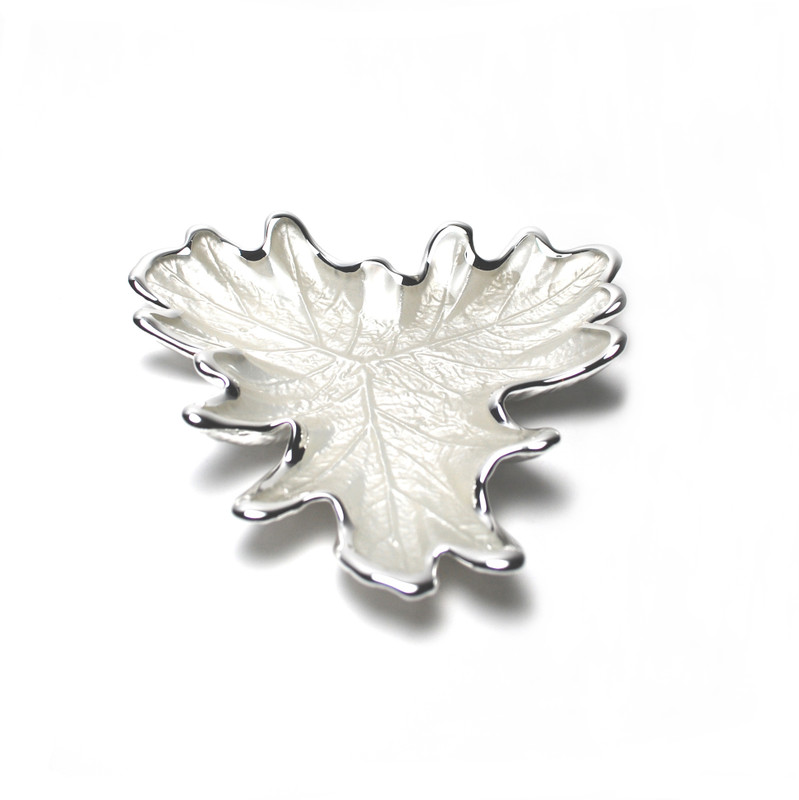Foglia Grape Leaf Plate Pearl White