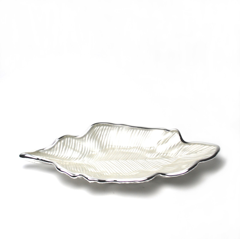 Foglia Willow Leaf Plate Pearl White