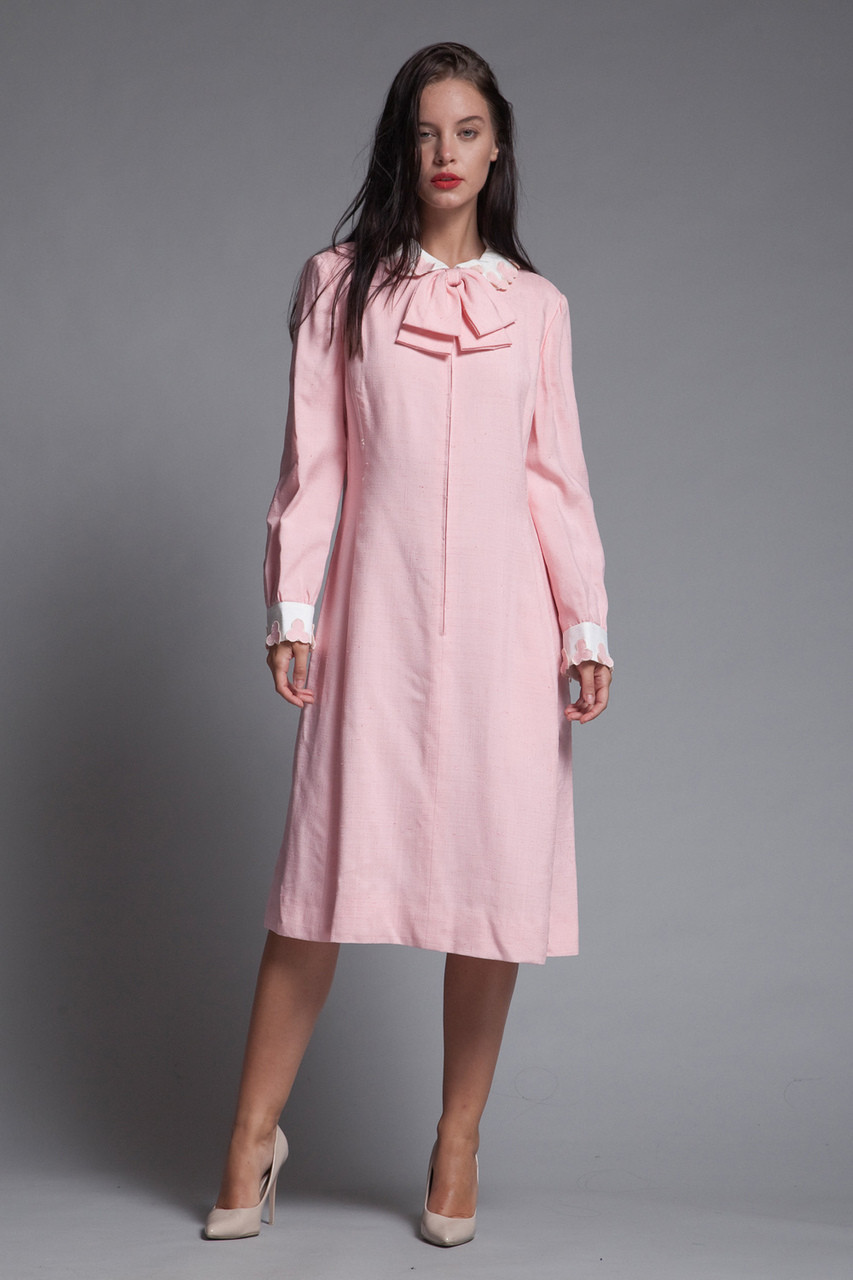 d7bead344b8 pink linen bow dress Peter Pan collar petal applique long sleeves vintage  60s LARGE L - The Rabbit Hole