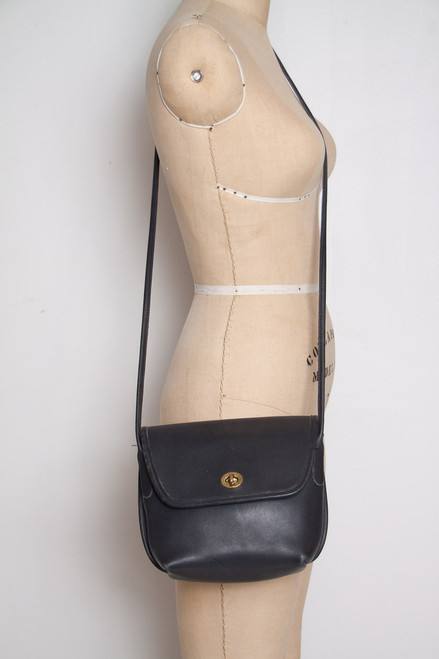 vintage Coach crossbody bag turnlock black leather crossbody handbag