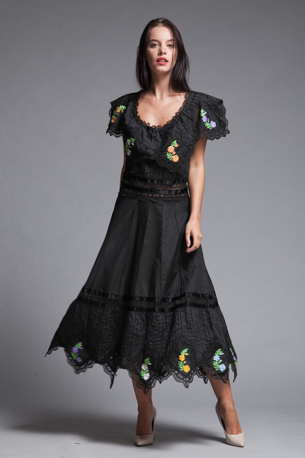 Oaxacan Mexican fiesta dress black floral embroidered lace pintuck handkerchief hem vintage 70s LARGE L