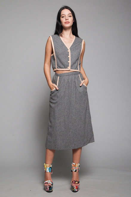 Boxy geometric vest skirt suit gray wool beige piping vintage 70s SMALL S