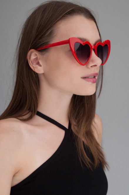 Heart shaped cat eye oversize sunglasses RED