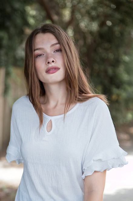 white ruffled sleeve top key hole crinkled knit (S-XL)