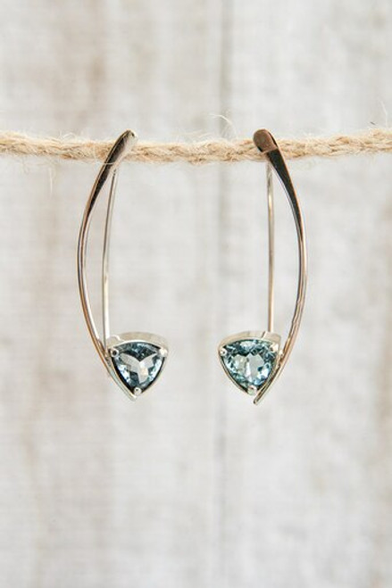 Trillium cut blue topaz and white gold dangle earring