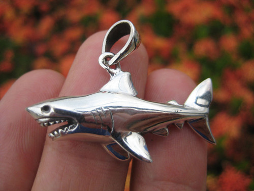 925 sterling silver Great White Shark pendant necklace A46 tooth