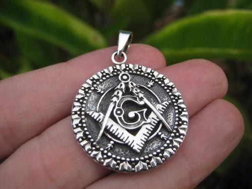 Picture 1 Free Mason Pendant
