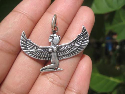 Poto Isis Egyptian 925 Silver Pendant Front