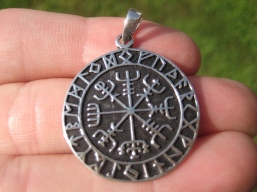 Viking silver pendant front straight