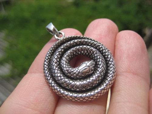 925 Silver Snake Pendant Image 1 Front