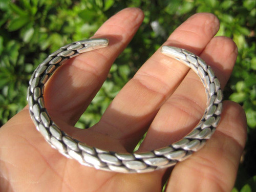 Hand Made 950 to 999 fine silver Karen hill tribe bangle bracelet Thailand A120