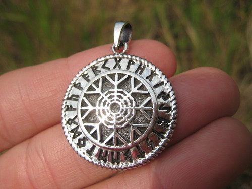 925 Sterling Silver Black Sun Wheel Viking Norse Germanic symbol pendant A34