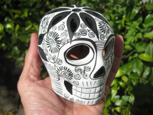 Ceramic Painted Skull Day of the Dead Cuernavaca Mexico A9277