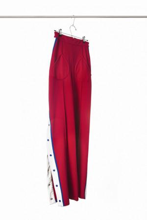 Pantalon basquetball en punto con broches laterales cambio en verison comercial 4 broches