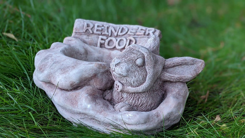 Stone Cast Christmas 'Reindeer Food' Pot/Bowl Garden Ornament