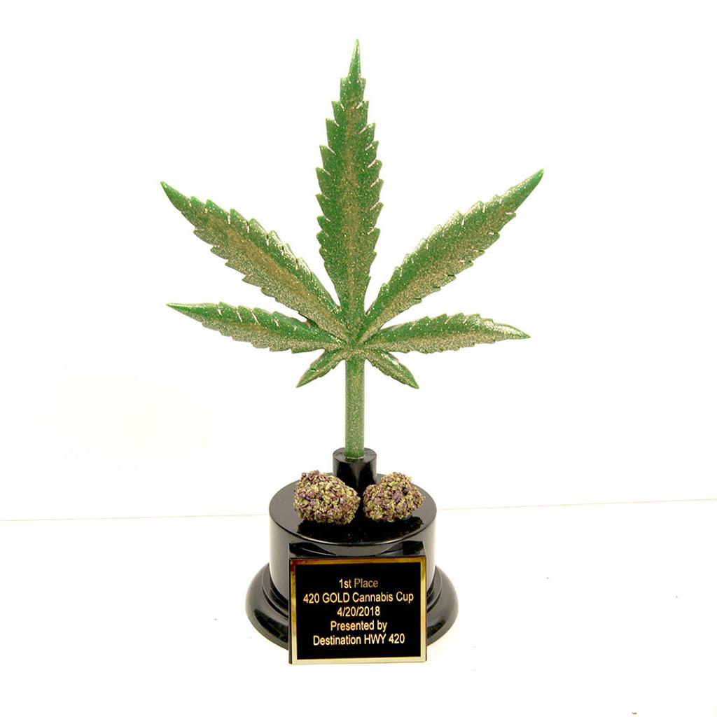weed leaf trophy with nugs
