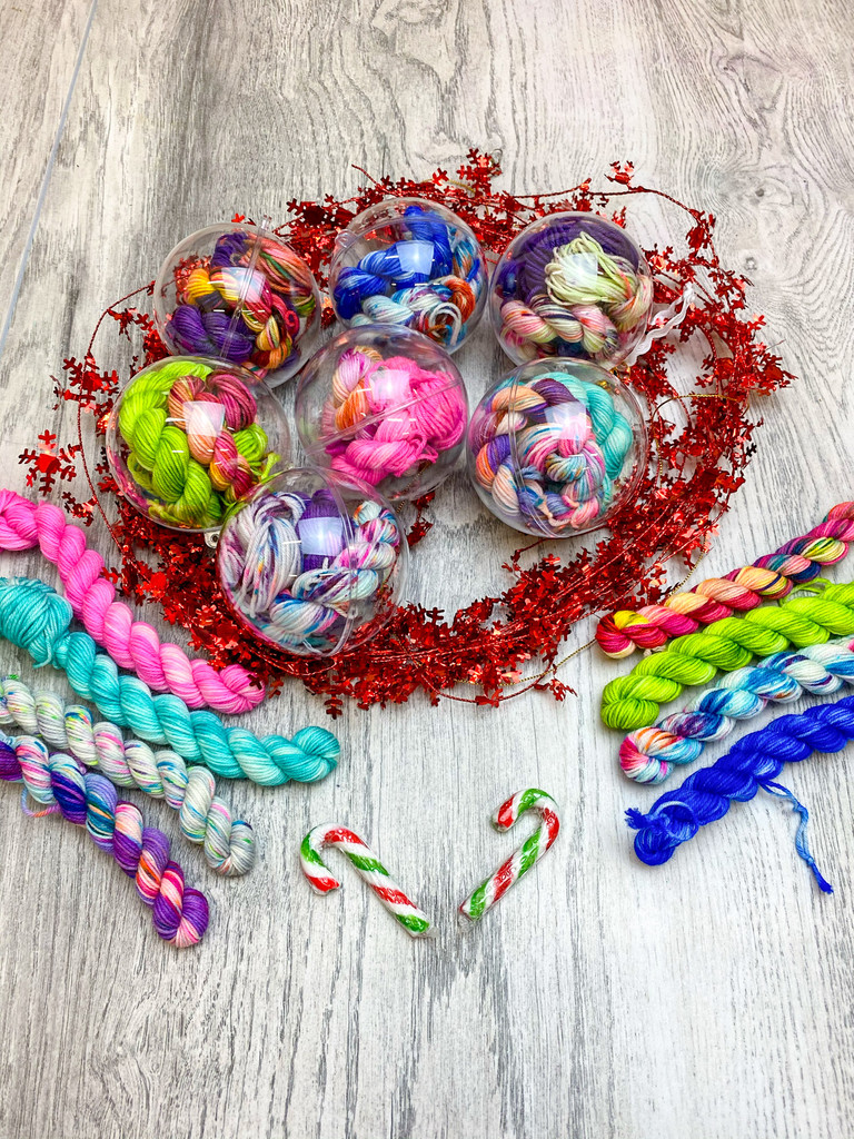 Yarn baubles