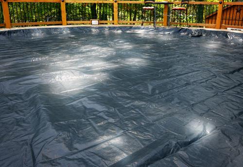 GLI 28' Round Above Ground Estate Pool Cover w/ 4' Overlap (45-0028RD-EST-4-BX)