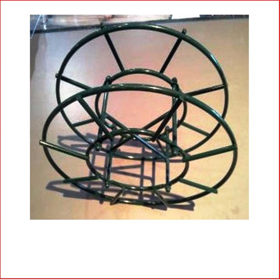 The Christmas Lights Storage Wheel allows you to store your Christmas lights easily. The reel holds up to 23 metres of lights which will help keep lights or extension cords tangle & damage free.