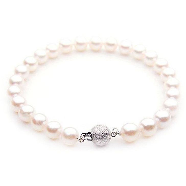 AB024-1 (AAA 8.5-9 mm Japanese Akoya Saltwater Pearl Bracelet  White gold clasp )