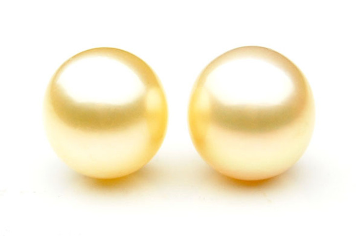 GL018 (AA+ 13.5 mm Australian South Sea Pearl Loose pearls Pair )$1,599