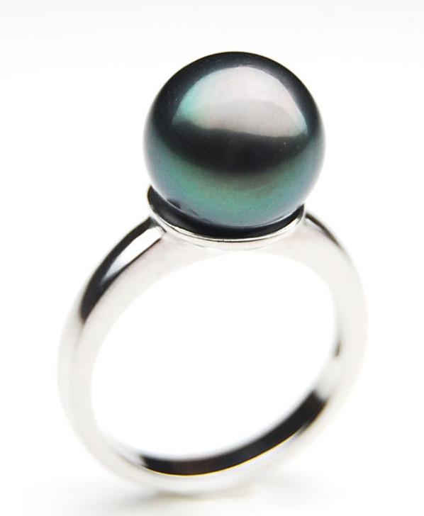 TR063 (AA 10mm Tahitian Black pearl Ring in Silver)