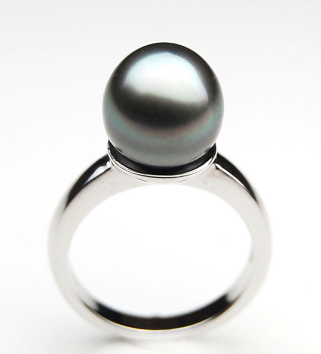TR064 (AA 10mm Tahitian Grey  pearl Ring in Silver)