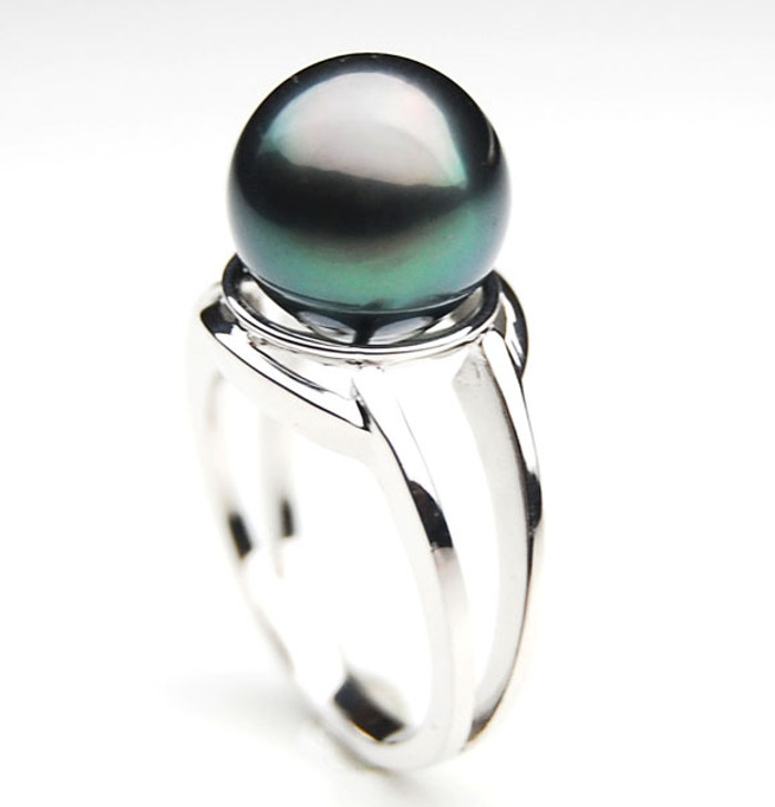 TR074 (AA 11mm Tahitian Black pearl Ring in Silver)