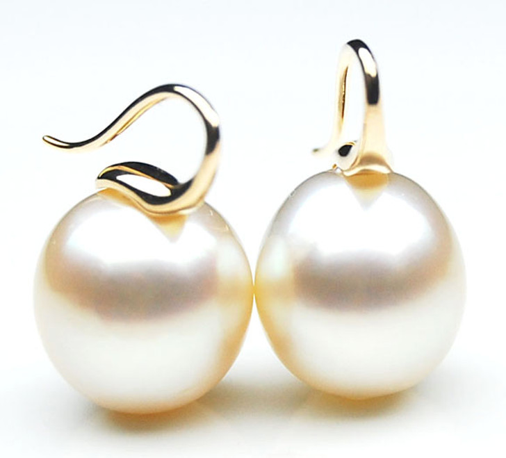 SE132 (AA +14mm Australian South Sea Drop Pearl Earrings in 18k Gold)