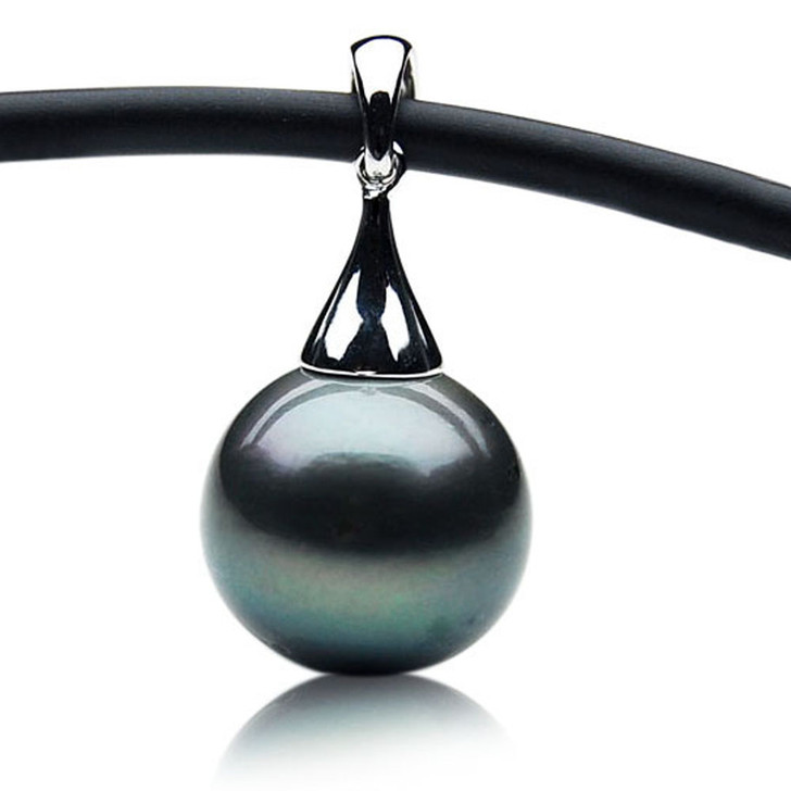 TP121 (14mm Tahitian Black pearl Pendant in 18k White Gold )