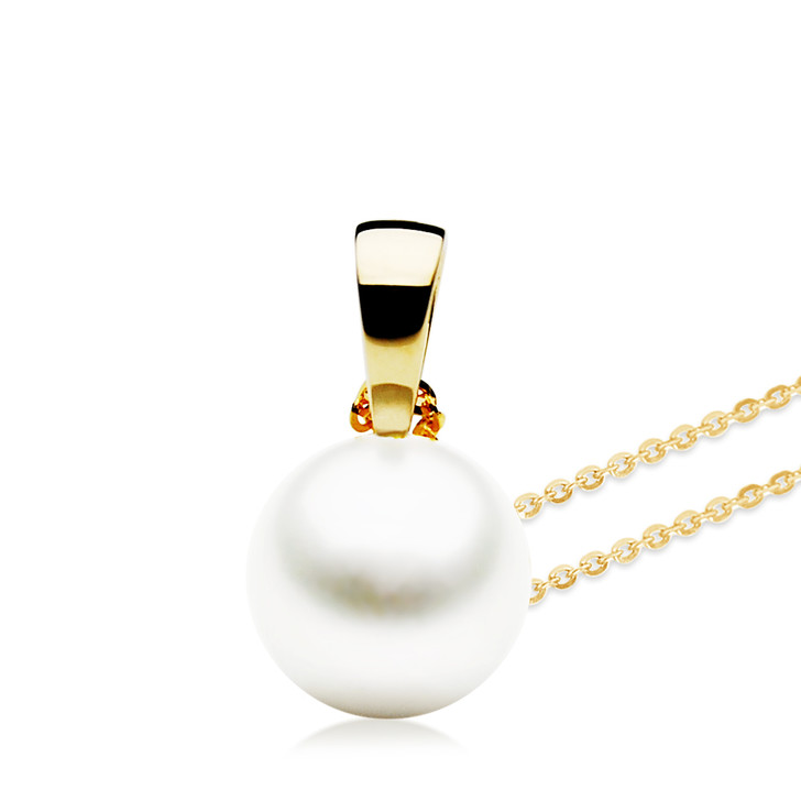 FP002  (AAA 11mm White Freshwater Cultured Pearl Pendant Yellow Gold)
