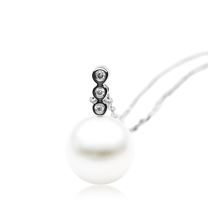 FP009  (AAA 11mm White Freshwater Cultured Pearl Earrings White Gold And Diamonds)