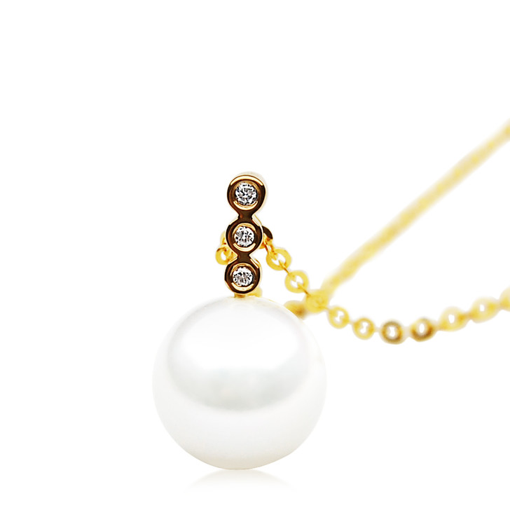 FP010  (AAA 11mm White Freshwater Cultured Pearl Earrings Yellow Gold And Diamonds)