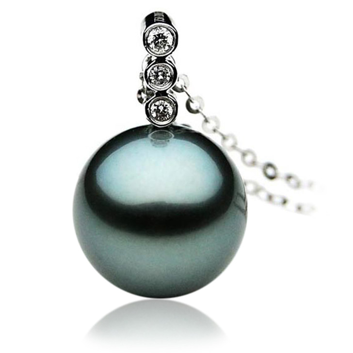 TP025 (AAA 12mm Tahitian Black pearl Pendant and Diamonds in 18k White Gold)
