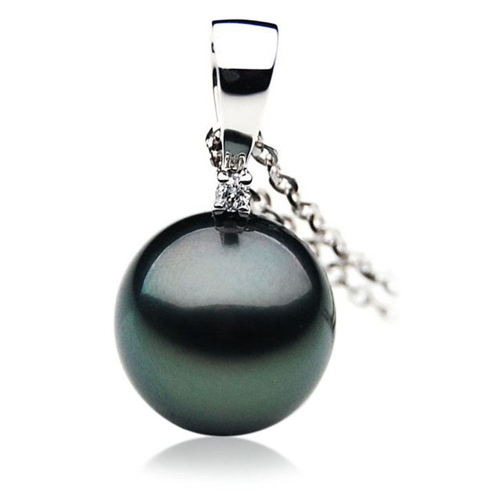 TP027 (AAA 12mm Tahitian Black pearl Pendant and Diamonds in 18k White Gold)