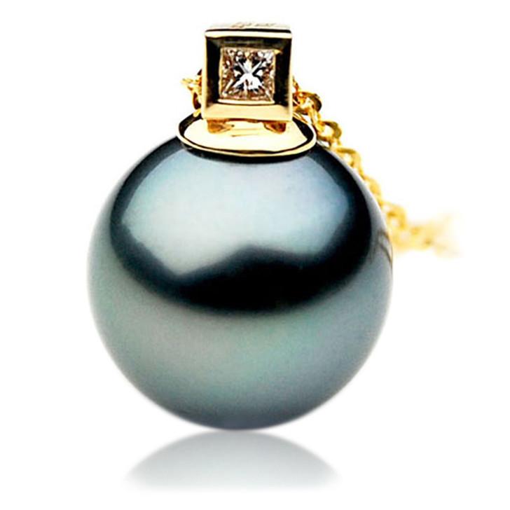 TP036 (AAA 12mm Tahitian Black pearl Pendant and Diamonds in 18k Gold)