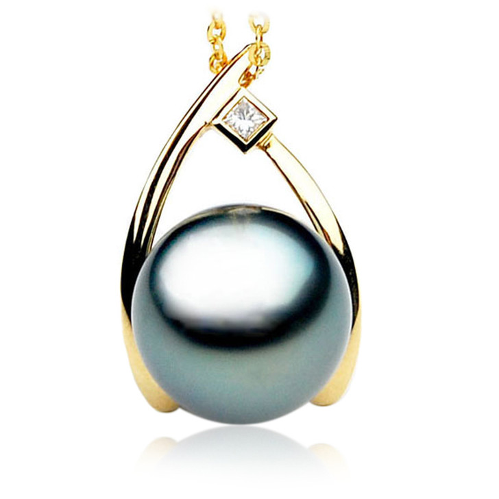 TP042 (AAA 12mm Tahitian Black pearl Pendant and Diamonds in 18k Gold)