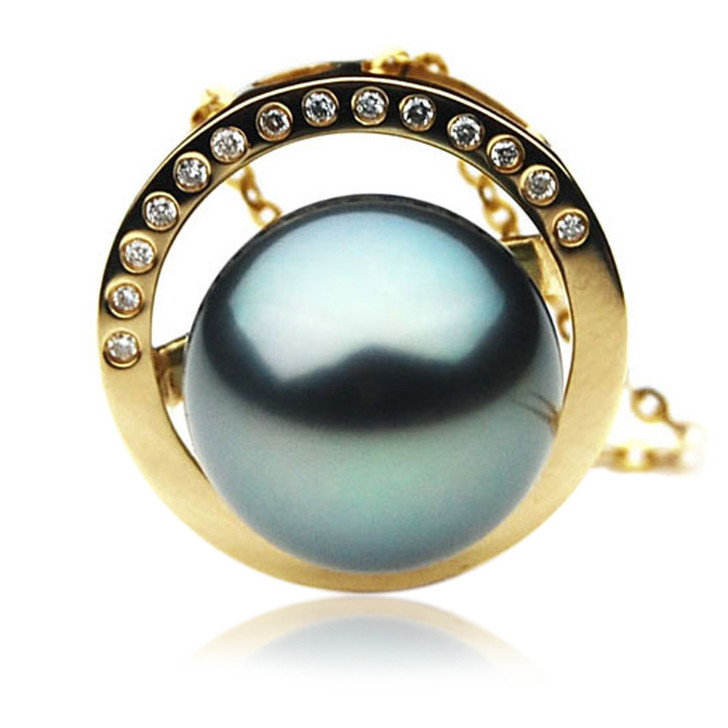 TP044 (AAA 12mm Tahitian Black pearl Pendant and Diamonds in 18k Gold)