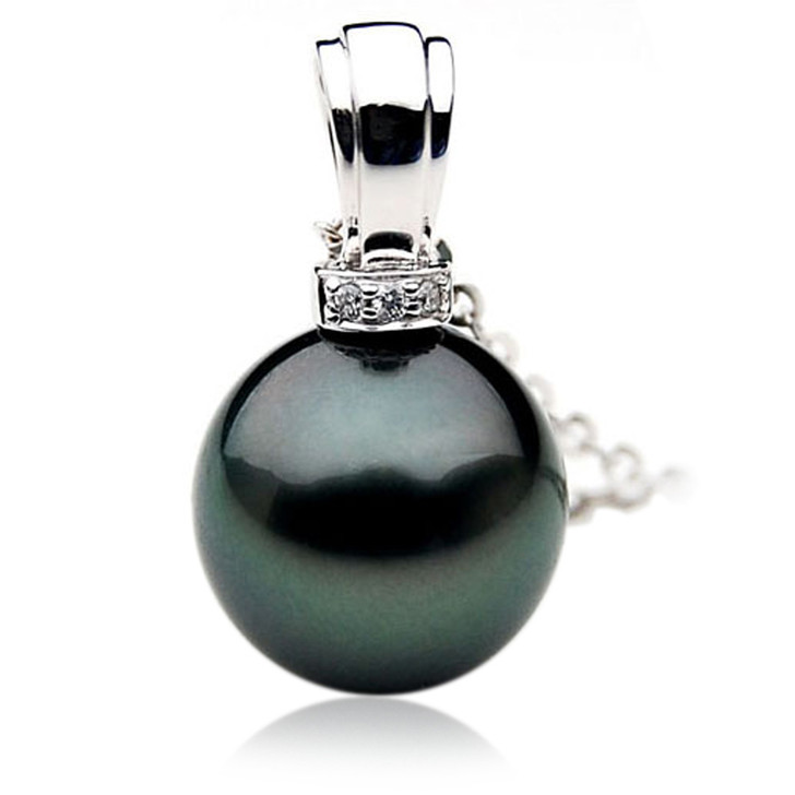 TP059 (AAA 13mm Tahitian Black pearl Pendant and Diamonds in 18k White Gold)