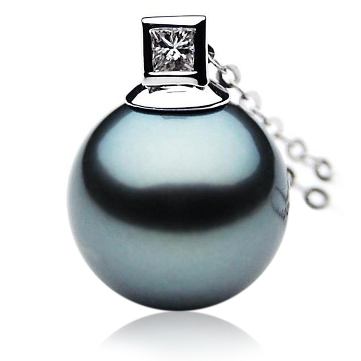 TP063 (AAA 13mm Tahitian Black pearl Pendant  and Diamonds in 18k White Gold)